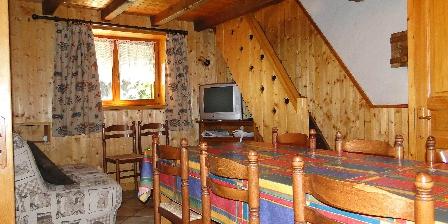 Chez Adalbert Gite la grange 6/8 personnes salon et séjour