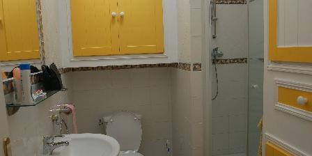 Gîte Les Fontettes Salle de bains