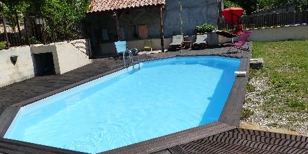 Gîte Les Fontettes La piscine