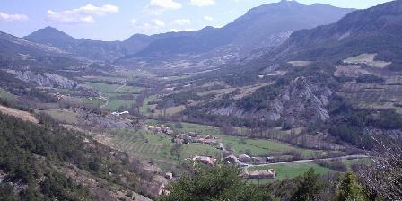 Gîte Les Fontettes Le village de Bruis