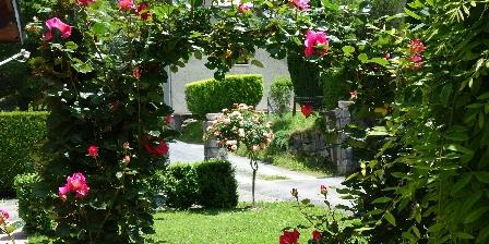 Location Saisonnière Chalet Yassete Jardin