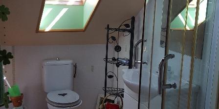 Gite Meme Cantou Salle de bains à l'étage