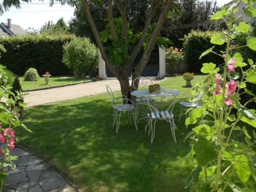 Chambre d'hote Indre-et-Loire - jardin côté entrée
