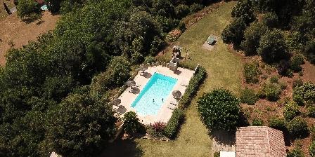 Gîte La Muzardie Jardin et piscine