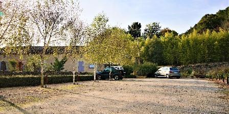 Gîte La Muzardie Parking