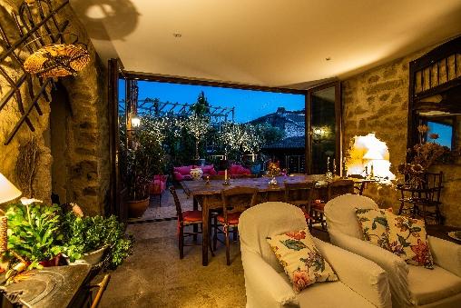 le séjour et la terrasse