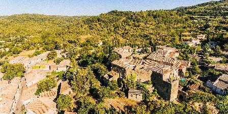 Le Roc sur l'Orbieu Gîte pour 5 pers Le Chemin de Ronde Château vu du ciel - le roc sur l'orbieu-entre Carcassonne