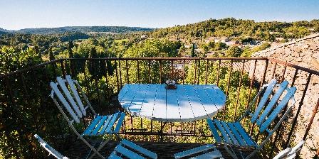 Le Roc sur l'Orbieu Gîte pour 5 pers Le Chemin de Ronde Terrasse chambre le roc sur l'orbieu Carcassonne