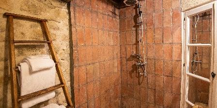 Le Roc sur l'Orbieu Gîte pour 5 pers Le Chemin de Ronde Bathroom