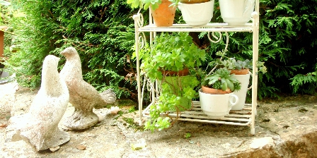 Au Cadran Solaire  Chambre de Charme Au jardin