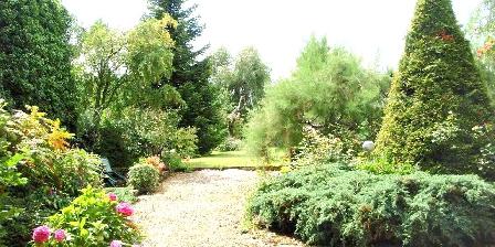 Au Cadran Solaire  Chambre de Charme Der Eingang zum Garten