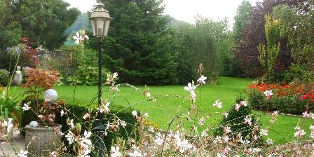 Au Cadran Solaire  Chambre de Charme Le jardin