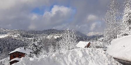Chalet des Bas Rupts Neige devant le chalet