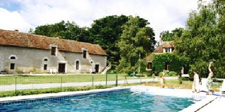 Les Vieux Chênes - Gîte Bleuet La piscine