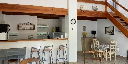 Bastide Sainte Agnès Gite Les Cyprès the kitchen and the living room