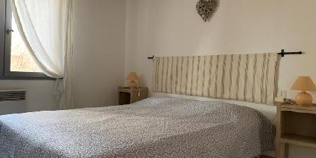 Bastide Sainte Agnès Gite Les Cyprès bedroom 1