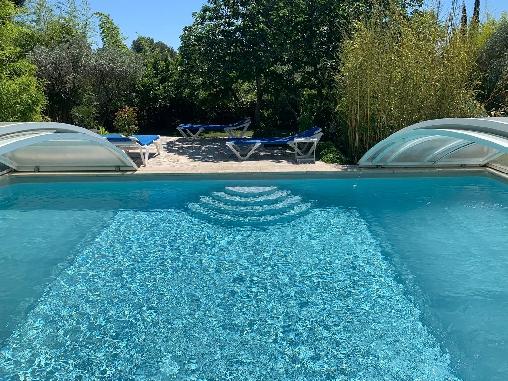 La piscine de la Bastide