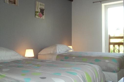 Chambre d'hote Pyrénées-Atlantiques - chambre avec 2 lits 90
