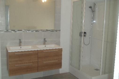 Chambre d'hote Pyrénées-Atlantiques - une des 2 salles d'eau