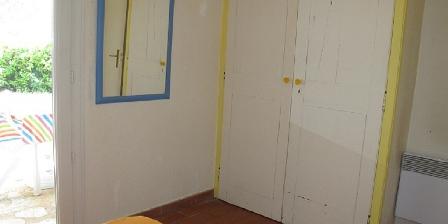 Location Saisonnière Lorgues Placard chambre