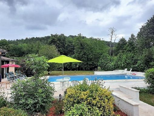 bed & breakfast Dordogne - The pool