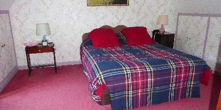 Domaine de Nauze-Fauvel - La Source 1st floor bed room