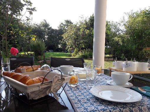 bed & breakfast Tarn-et-Garonne - Breakfast on the terrace