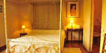 Chambres d'Hôtes au Vieux Moulin La chambre à baldaquin