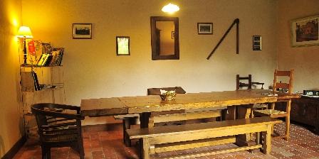 Chambres d'Hôtes au Vieux Moulin La salle du petit déjeuner