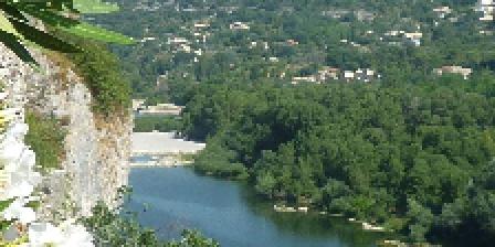 Location Saisonnière Les Mazets d'Aiguèze Une vue du village