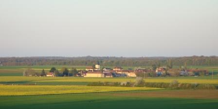 Location Saisonnière dans La Maison d'Agnès en Bourgogne Environnement village