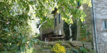 La Maison des Lacs Arrière de la maison