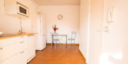 Location Saisonnière Villa Les Cactées Une cuisine