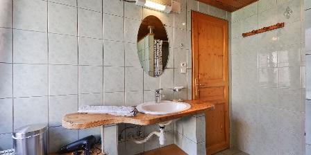 Le Chalet du Tanet The bathroom