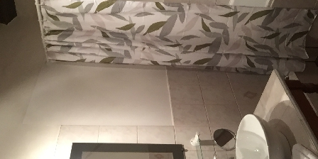 L'Intemporelle Chambre rachel salle de bain