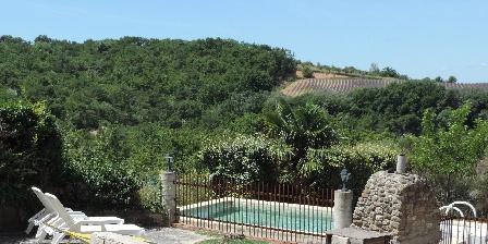 Gîte Le Ranch La piscine et sa terrasse