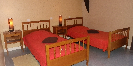 Gîte à La Ferme Chambre à deux lits une place