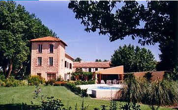 Bed & breakfasts Vaucluse, Le Thor (84250 Vaucluse). A proximité : Avignon 14 km, Isle Sur  La Sorgue 7 km, Grottes De Thouzon 1km km, Chateau De Thouzon 2 km, Brocantes/antiquités 7 km, Chorégies D`orange 28 km, Festival D`avi...