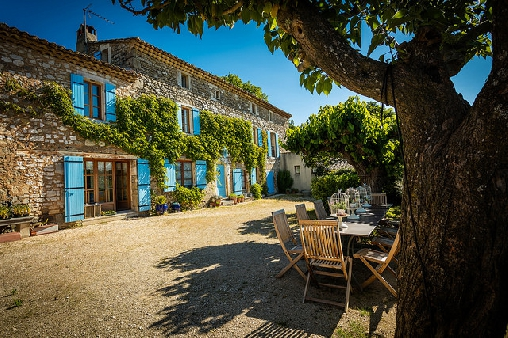 Bed & breakfasts Gard, from 95 €/Nuit. House of character, Aubussargues (30190 Gard), Charm, Luxury, Guest Table, Swimming Pool, Garden, Baby Kits, 4 Double Bedroom(s), 1 Suite(s), 1 Childrens Bedrooms, 12 Maximum Peop...
