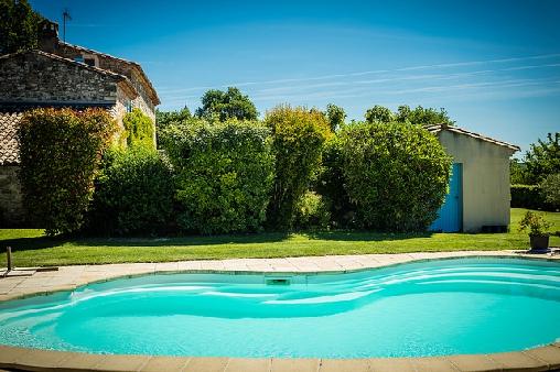 bed & breakfast Gard - Swimming pool side view
