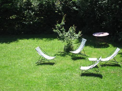 Chambre d'hote Rhône - Lecture au jardin