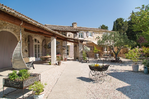 Bed & breakfasts Vaucluse, from 70 €/Nuit. House/Villa, Velleron (84740 Vaucluse), Charm, Swimming Pool, Garden, Net, WiFi, Parking, Air-Conditioning, 2 Double Bedroom(s), 12 Maximum People, Ping Pong, Cycle, Bowls, Countr...