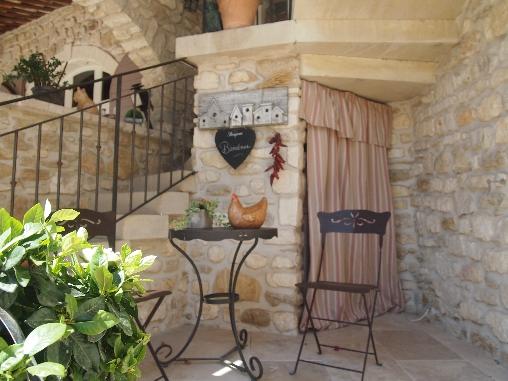 Chambre d 39 hote le jardin des amandi res chambre d 39 hote for Chambre hote vaucluse