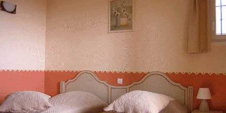 Les Burlats Chambre Abricot