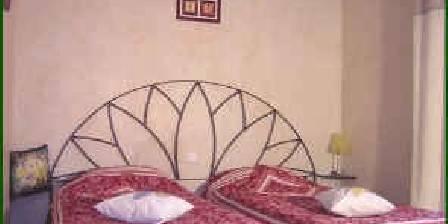 Les Burlats Suite Tournesol 2ème chambre