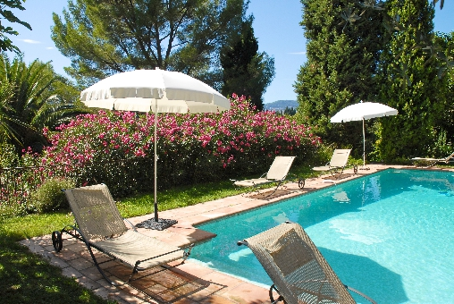 Bed & breakfasts Alpes Maritimes, from 90 €/Nuit. House of character, Grasse (06130 Alpes Maritimes), Charm, Swimming Pool, Garden, Net, WiFi, 2 Double Bedroom(s), 1 Suite(s), 7 Maximum People, Computer, Country View, South Direc...