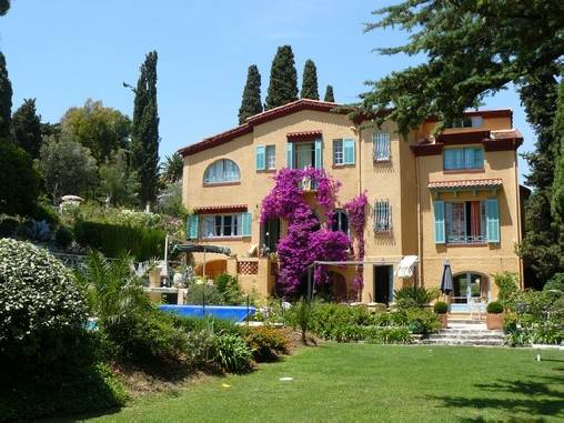 Bed & breakfasts Alpes Maritimes, from 90 €/Nuit. House/Villa, Cagnes sur Mer (06800 Alpes Maritimes), Charm, Swimming Pool, Garden, Park, Net, WiFi, T.V., Baby Kits, Parking, 3 Double Bedroom(s), 2 Suite(s), 15 Maximum People, L...