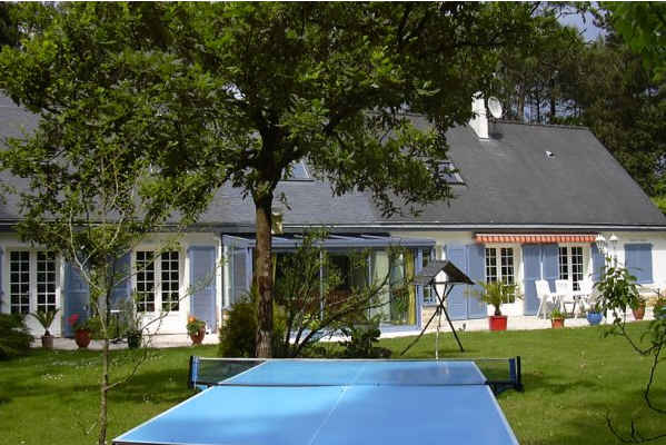 Bed & breakfasts Morbihan, from 62 €/Nuit. House/Villa, Carnac (56340 Morbihan), Charm, Park, Net, WiFi, T.V., Baby Kits, 2 Double Bedroom(s), 1 Suite(s), 1 Childrens Bedrooms, 10 Maximum People, Lounge, Library, Chimeney,...