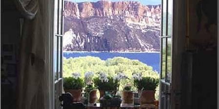 L'escale Vue sur la mer et le Cap Canaille