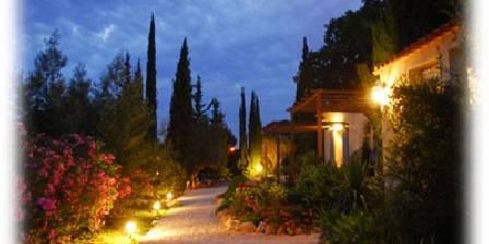 Chambre d'hotes La Bastide de Font-Clarette > Le jardin